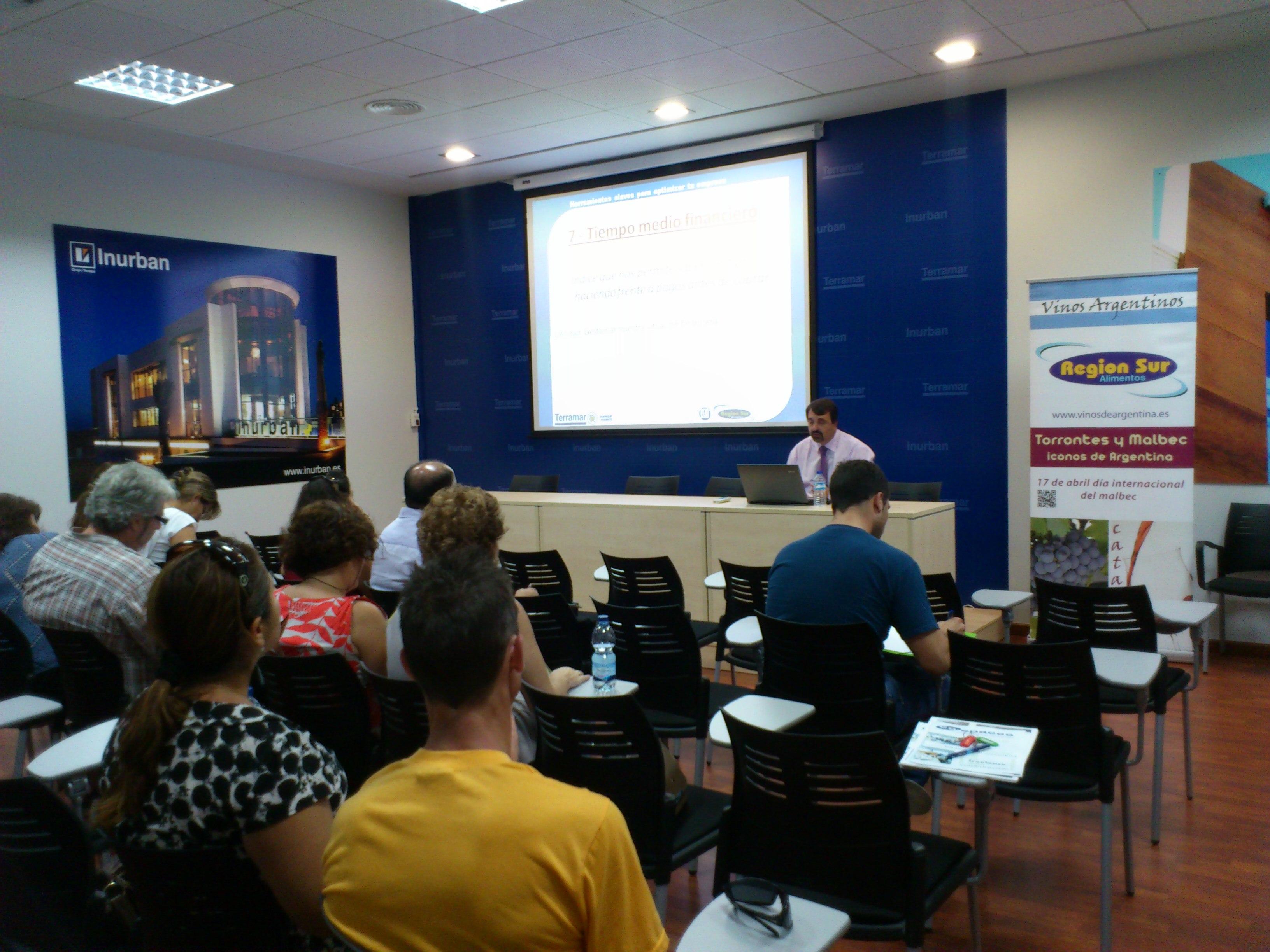 Interesante Conferencia realizada en Centro de Negocios Terramar