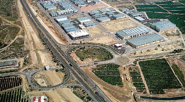 Antas es el pueblo con más empresas de Andalucía y tiene más empleados que vecinos